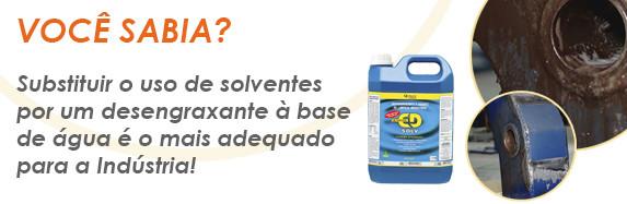 Motivos para substituir o uso de querosene e outros solventes agressivos por desengraxantes industriais à base d'água alcalinos